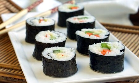 How To Make Maki Rolls - Step by Step Guide • Curious Cuisiniere