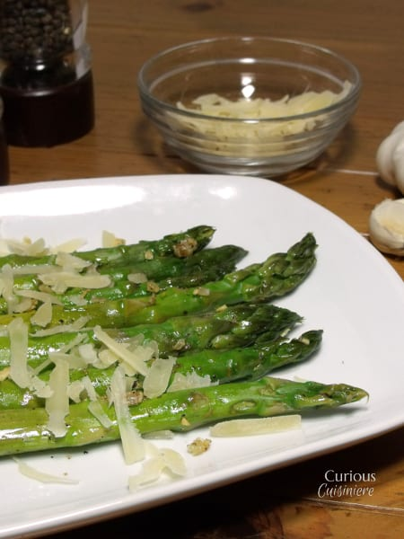 Parmesan and Garlic Asparagus from Curious CuisiniereParmesan and Garlic Asparagus from Curious Cuisiniere