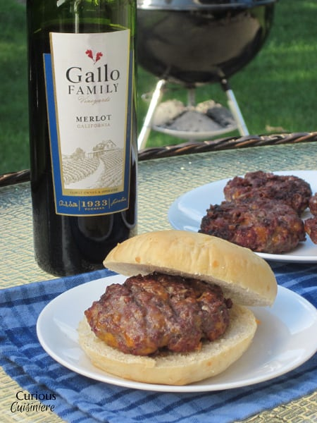 Cheddar Merlot Burgers from Curious Cuisiniere #SundaySupper #grillingrecipes #cookingwithwine