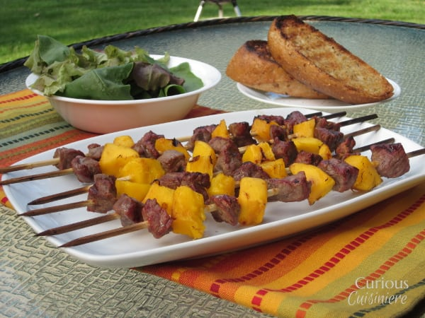 Mango Beef Kebabs from Curious Cuisiniere #grilling #summerrecipes