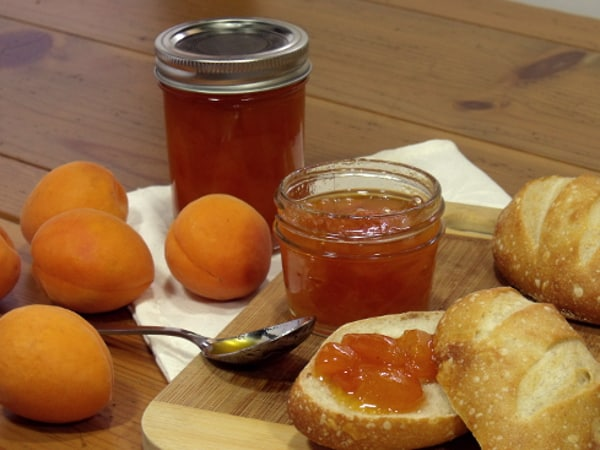 Canning with Curious Cuisiniere