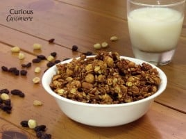 Peanut Butter Granola from Curious Cuisiniere #breakfast