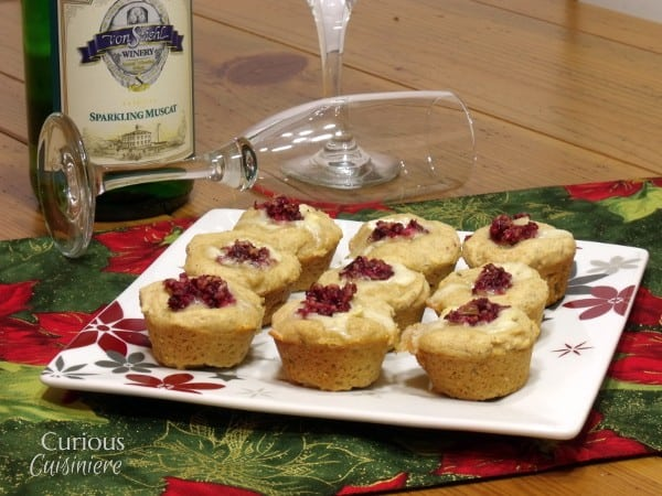 Cranberry Brie Bites and Sparkling Muscat Wine Pairing