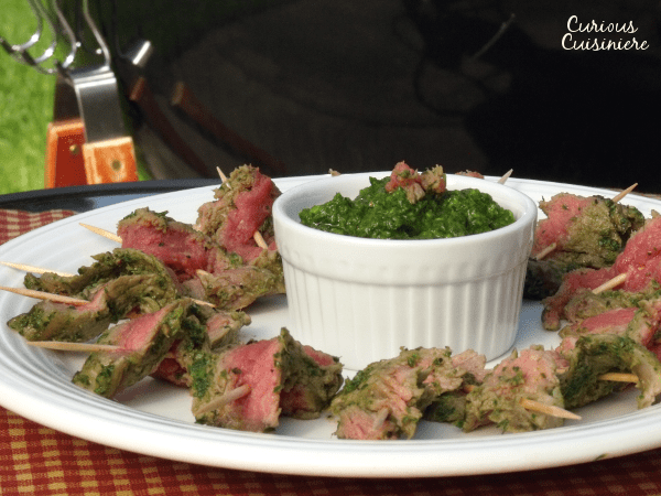 These Nicaraguan style Grilled Chimichurri Steak Skewers are the perfect appetizer for a summer party. |www.CuriousCuisiniere.com