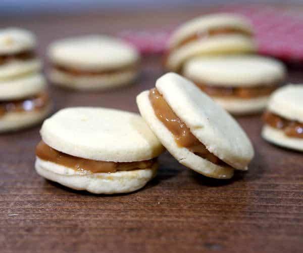 Alfajores (Argentinian Dulce de Leche Cookies) • Curious Cuisiniere