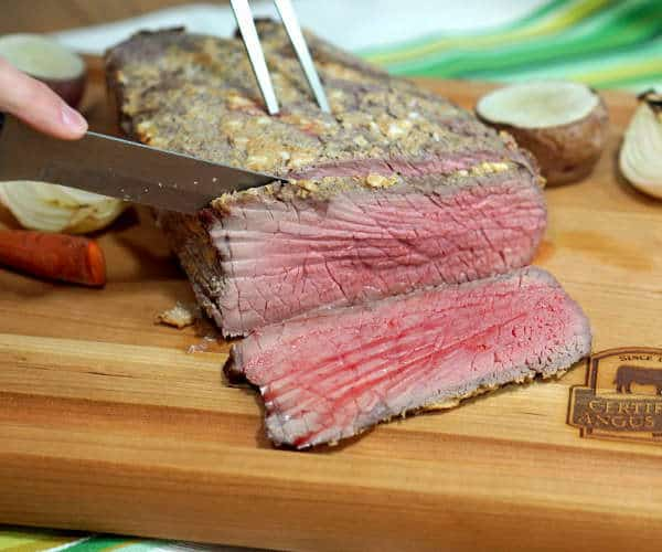Make roasting easy with this Mustard Crusted English Beef Roast, simple to make, big on flavor, and the perfect recipe for any holiday meal. #SundaySupper #RoastPerfect | www.curiouscuisiniere.com