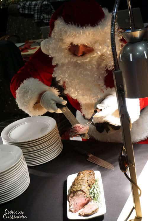 Santa Carving #SundaySupper #RoastPerfect |www.curiouscuisiniere.com
