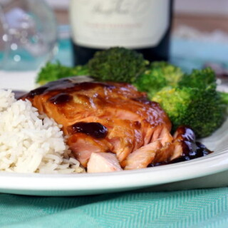 This easy Teriyaki Salmon recipe uses ingredients in your pantry to create an elegant dinner that is quick enough for a weeknight. | www.CuriousCuisiniere.com
