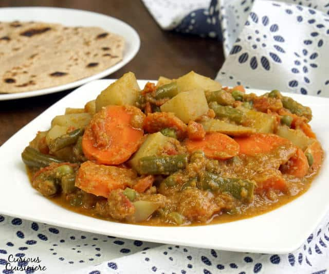 South indian vegetable korma curious cuisiniere making an easy korma recipe forumfinder Gallery