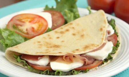 Verwonderend Piadina (Italian Flatbread for Sandwiches) • Curious Cuisiniere WA-09