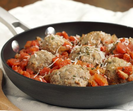 "Polpette alla Napoletana are Italian meatballs in a simple tomato sauce, and they're the closest recipe you'll find to ""spaghetti with meatballs"" in traditional Italian cuisine. 