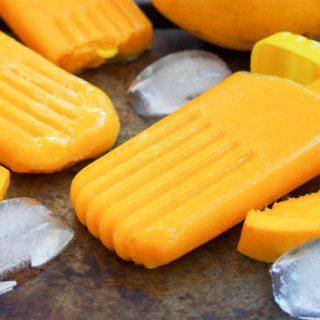 Mango paletas with mango slices