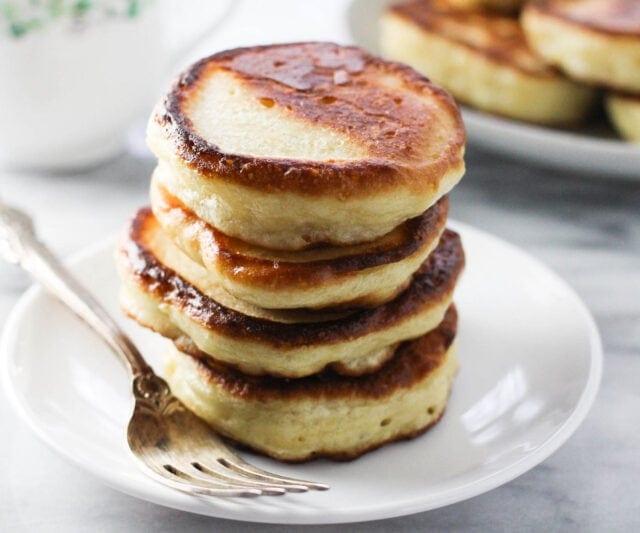 Oladi-Russian-Yeast-Pancakes