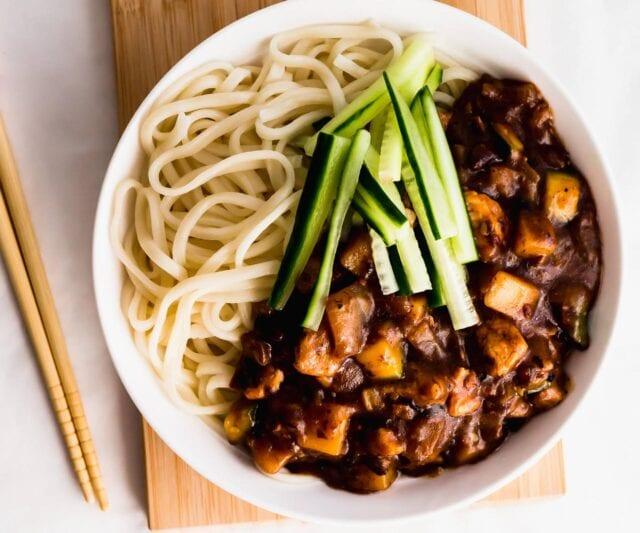 Jajangmyeon-(Korean-Noodles-in-Black-Bean-Sauce)